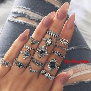 Jewelry - 15 piece silver boho ring set